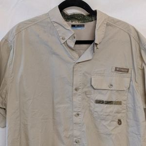 Columbia short sleeve hunting button up XL